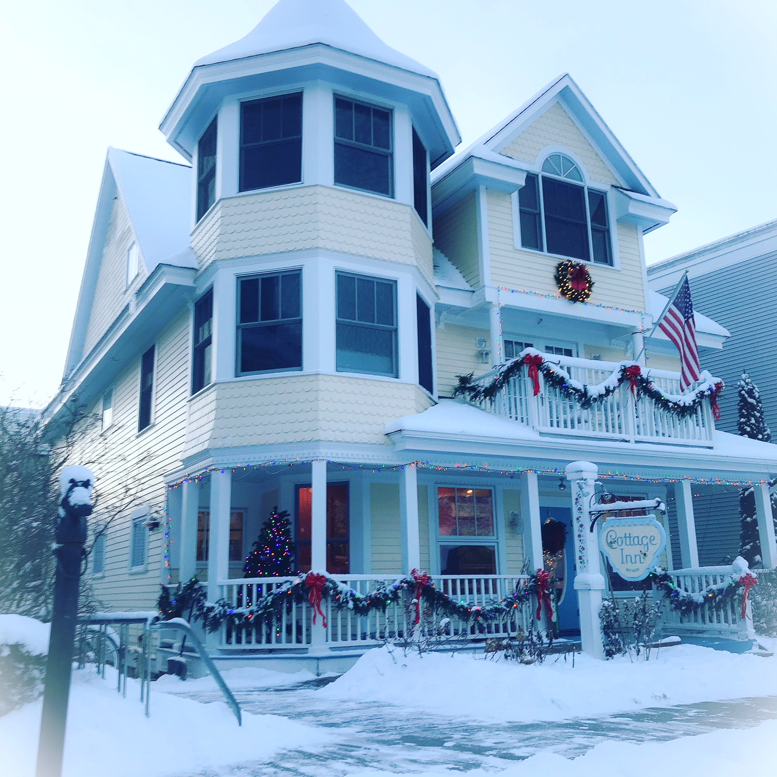 The Cottage Inn Mackinac Island Is A Charming Bed And