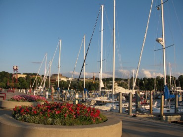 Petoskey Mi is a favorite northern Michigan vacation destination.